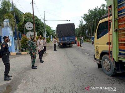 Cegah Mudik, Puluhan Pengemudi Diperintahkan Balik Arah di Perbatasan Aceh-Sumut