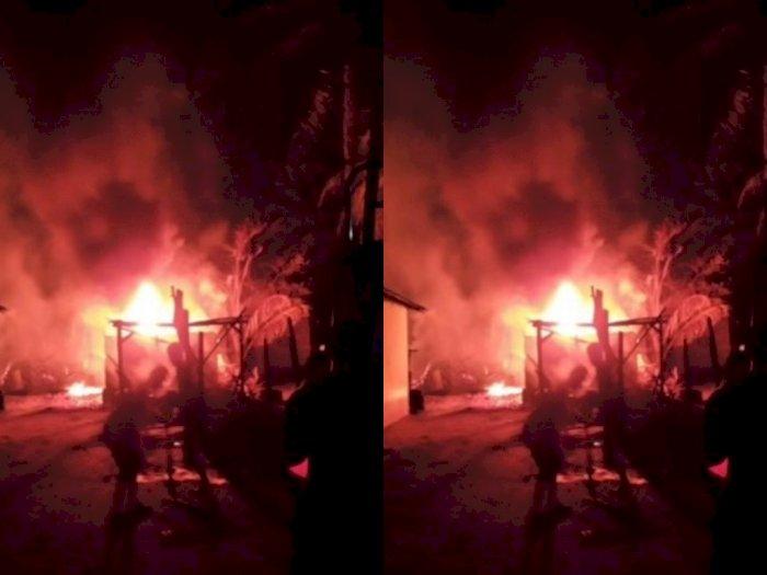 Dapur Pengolahan Minyak Mentah Milik Warga di Tanjung Pura Langkat Terbakar
