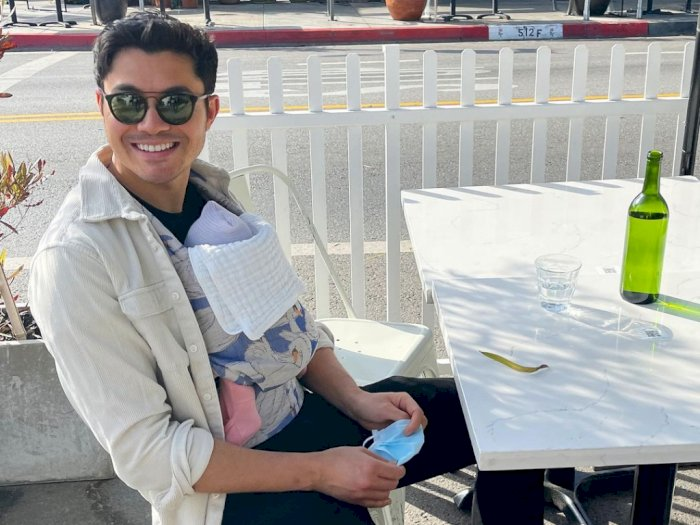 Henry Golding Kabarnya Bintangi Film Adaptasi Novel Karya Jane Austen
