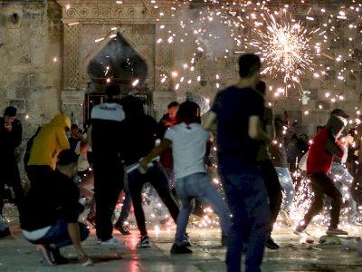 FOTO: Bentrokan Polisi Israel dengan Pengunjuk Rasa di Yesusalem