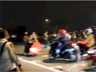 Viral Video Gerombolan Pemudik Terobos Sekat di Jalan Raya, Petugas Kewalahan