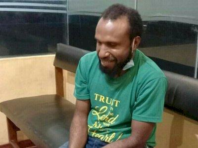 Aparat Tangkap Victor Yeimo, Otak & Provokator Kerusuhan di Papua, Senyum Saat Ditangkap