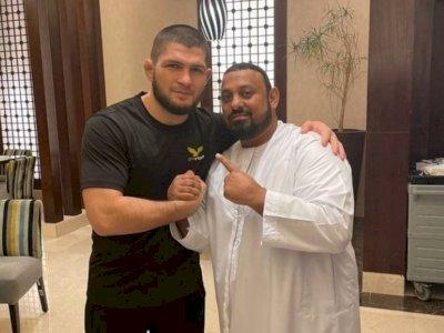 Ketika 2 Petarung Muslim Tak Sengaja Bertemu di Mekah, Khabib Jabat Tangan Prince Naseem