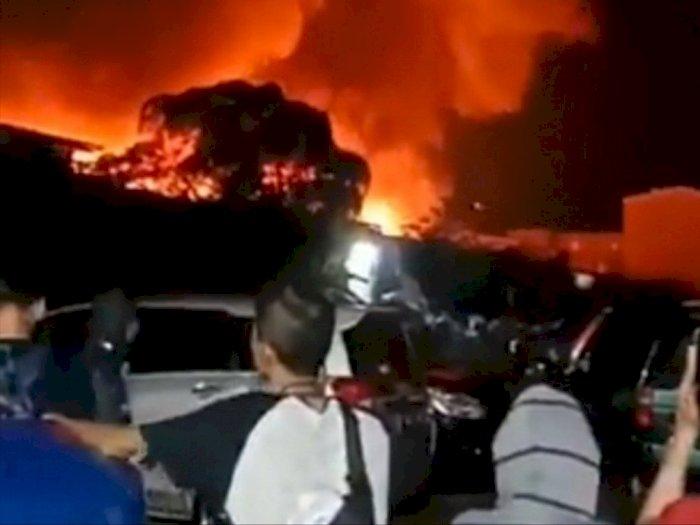 Terjadi Kebakaran Rumah di Jakarta Utara, Gulkarmat Kerahkan 17 Damkar