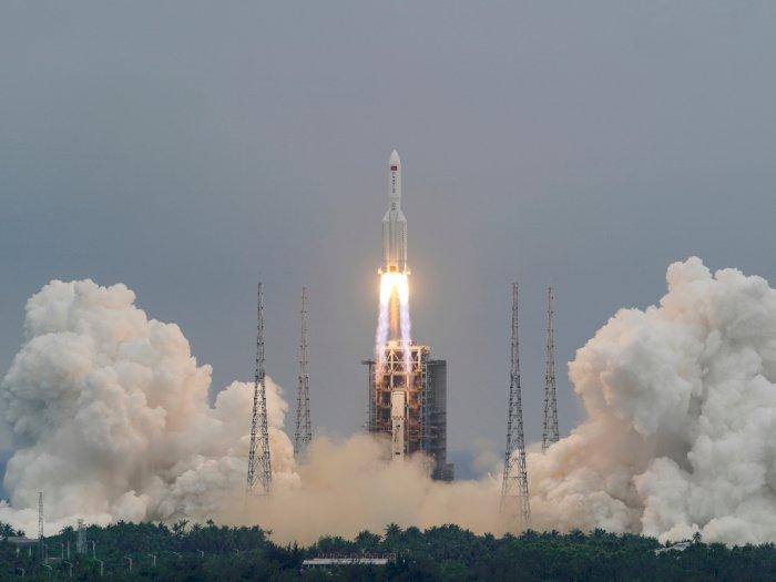 Puing-puing Roket Tiongkok Jatuh di Bumi, NASA Ngamuk
