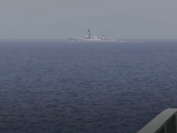Angkatan Laut Indonesia dan China Latihan Militer di Perairan Dekat Jakarta