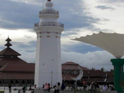 Pemprov Banten Tutup Kawasan Pariwisata di Zona Merah dan Oranye Covid-19
