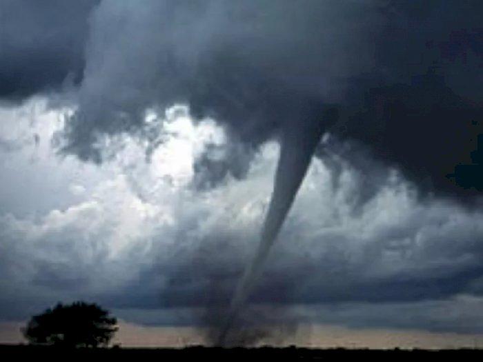 Ngeri! Badai Tornado Porak-Porandakan Kota Wuhan China, Tujuh Warga Tewas
