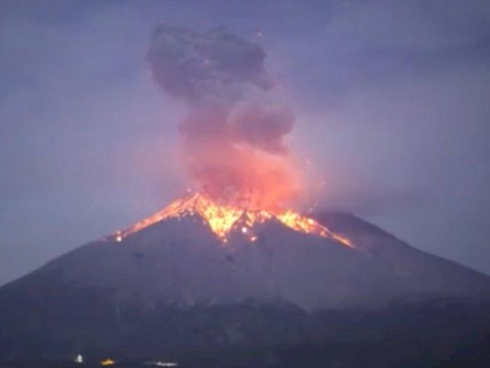 Minggu Pagi, Gunung Merapi Luncurkan Guguran Lava Pijar Hingga 1000 Meter