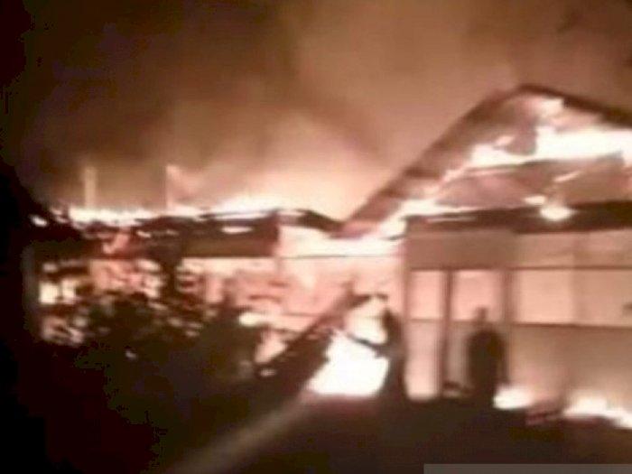 Kebakaran Hebat di Aceh Tamiang, Puluhan Kios Warga Ludes Dilalap Api