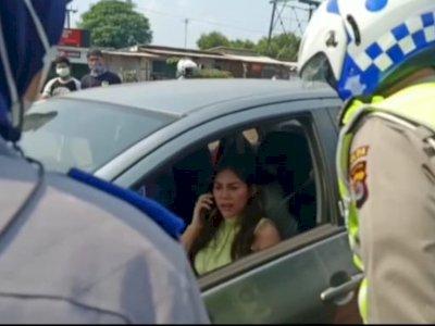 Viral Wanita Ngamuk karena Disekat di Pantai Anyer, Begini Penjelasan Polisi