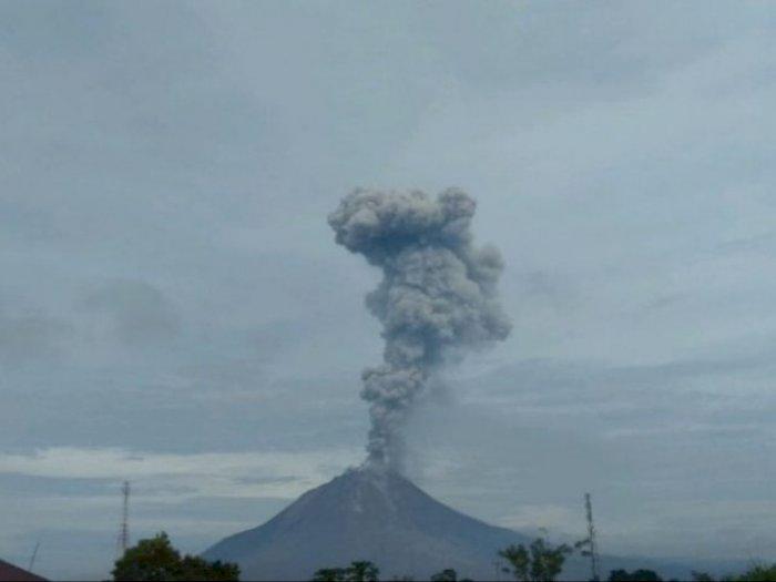 Kembali Erupsi, Gunung Sinabung Semburkan Abu Vulkanik Setinggi 3.500 Meter