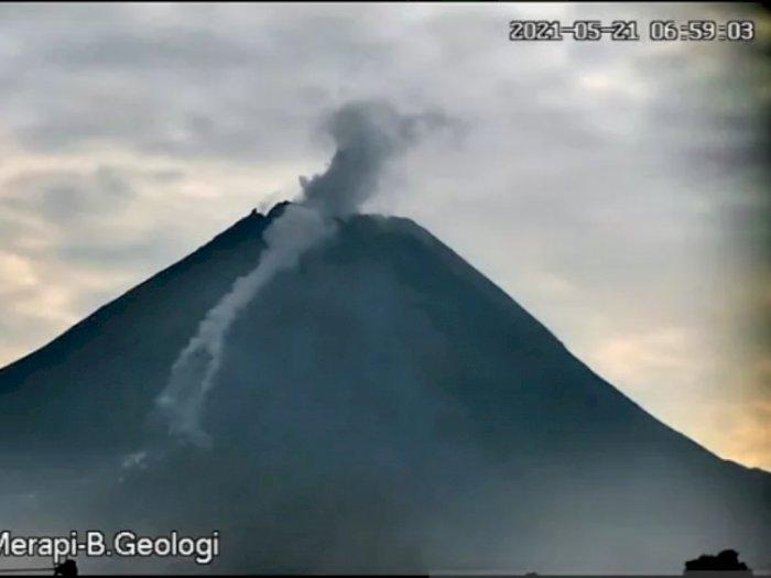 Jumat Dini Hari, Gunung Merapi Luncurkan 2 Awan Panas Hingga 2 Km