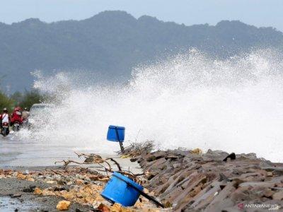 Prakiraan Cuaca, BMKG Keluarkan Peringatan Hujan Lebat di Beberapa Wilayah