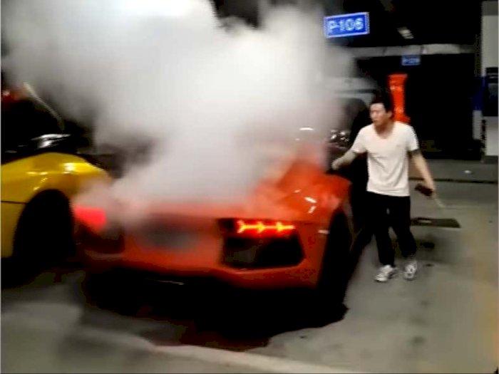 Bakar Sate Pakai Api Knalpot Lamborghini, Berujung Mesin V12 Keluarkan Asap!