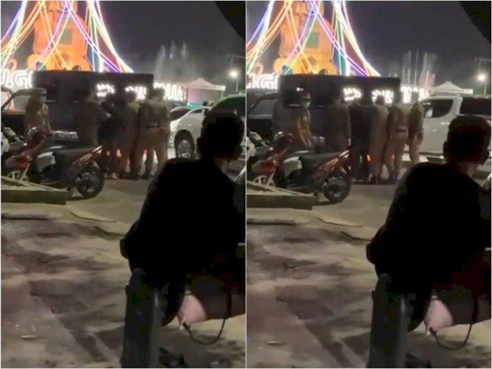 Oknum Satpol PP Tempeleng Kepala Pemuda yang Tak Pakai Masker di Tugu Keris Siginjai Jambi