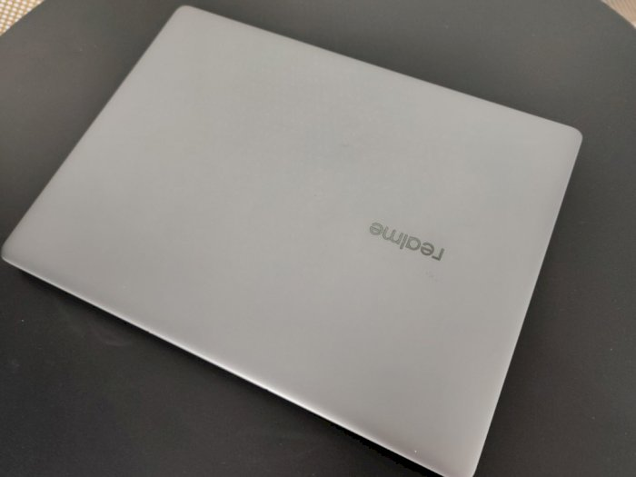 Jelang Perilisan, Tampilan Laptop Pertama dari Realme Telah Bocor di Internet