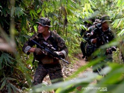 Marinir Indonesia dan Amerika Serikat Berlatih Perang Hutan, Diajarkan Masak Hewan Buas