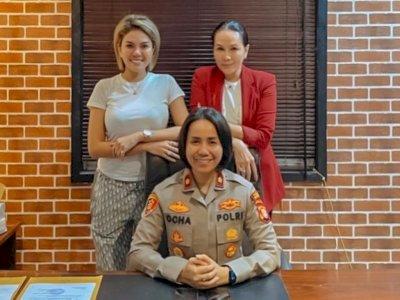 Sambangi Polres Jakarta Barat, Nikita Mirzani Tanggapi Kasus yang Menimpa Anji