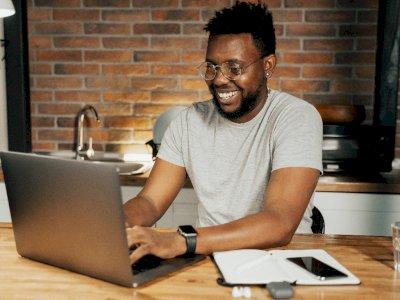 Studi: Pria yang Tidak Bekerja di Rumah Tangga Memiliki Penghasilan yang Lebih Banyak