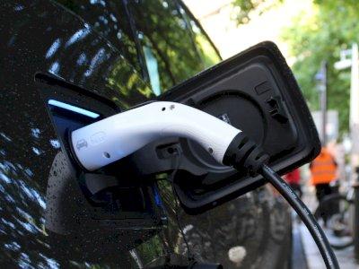 Pemerintah Indonesia Ingin Semua Mobil dan Motor Agar Bertenaga Listrik di 2050!