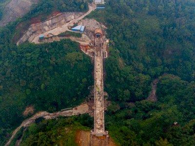 FOTO: Jembatan Tertinggi Proyek Kereta Cepat Jakarta-Bandung