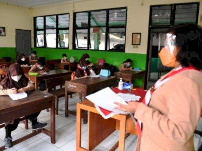 Kasus Covid-19 Melonjak, Pemprov DKI Hentikan Uji Coba Belajar Tatap Muka di Sekolah