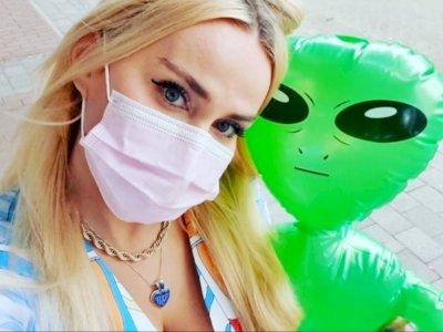 Wanita Ini Mengatakan Kalau Dia Jatuh Cinta Pada Alien Setelah Diculik UFO