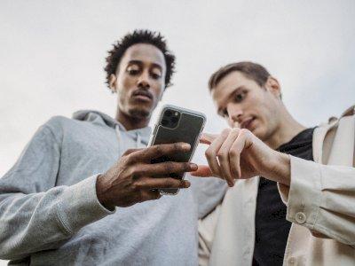 Studi: Peningkatan Smartphone Selama COVID-19 Berkolerasi dengan Kesehatan Mental