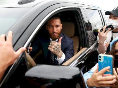 Eto'o Berharap Sergio Ramos Berkostum PSG