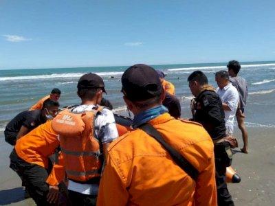 Mengenaskan, Kakak Adik Ini Tewas Tenggelam saat Berenang di Pantai Tiram Pariaman