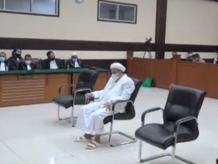Dinyatakan Berbohong Tes Swab RS Ummi Bogor, Rizieq Shihab Divonis 4 Tahun Penjara