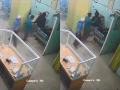 Duh! Keluarga Pasien Terekam CCTV Pukul Perawat Puskesmas saat Tangani Pasien COVID-19