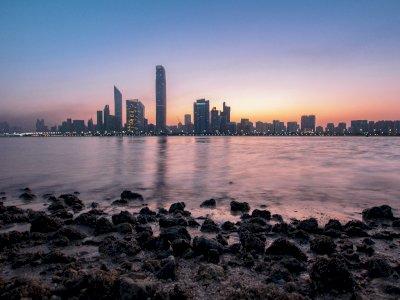 Abu Dhabi akan Berikan Vaksinasi Gratis kepada Turis Asing