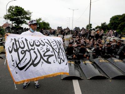 FOTO: Unjuk Rasa Mendukung Rizieq Shihab di Jakarta