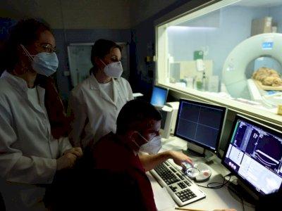 Peneliti di Rumah Sakit Italia Melakukan CT Scan pada Mumi Ankhekhonsu