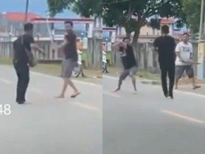 Viral Video Dua Pria Melakukan Duel Parang di Tengah Jalan, Aksinya Bikin Warga Ketakutan