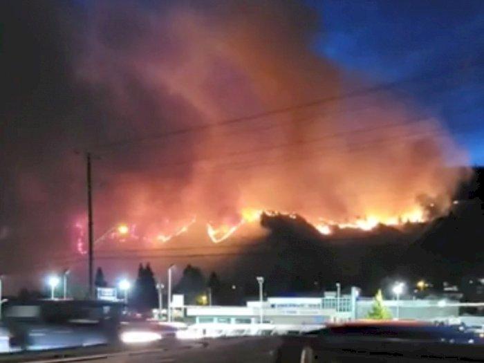 Petir Memicu Kebakaran Hutan di British Columbia saat Kanada Mengalami Gelombang Panas