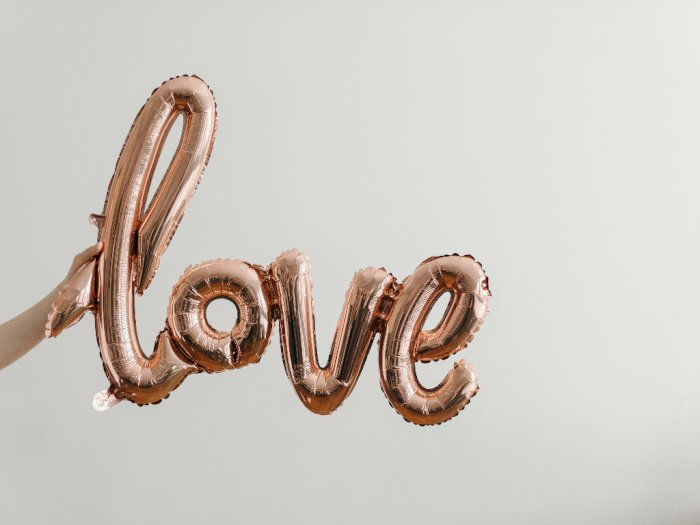Ini Arti Jatuh Cinta Jika Dilihat dari Sisi Kimiawi, Simak Selengkapnya!
