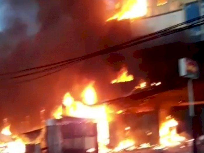 Kebakaran Ruko dan Lapak di Jalan Baru Abepura, Damkar Kerahkan 3 Unit Mobil Pemadam