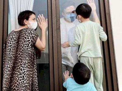 Tya Ariestya Bagikan Potret Haru Suami Ketemu Anak dari Balik Jendela: Ayahnya Lebih Stres