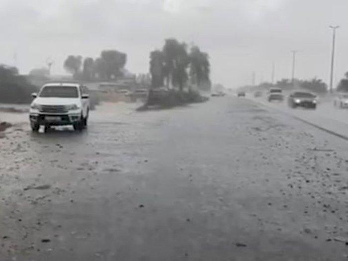Dubai Membuat Hujan Palsu untuk Mengatasi Gelombang Panas Mencapai 50 Derajat Celsius