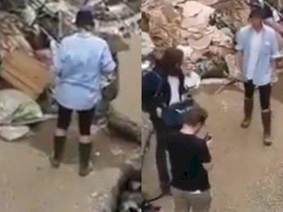Olesi Diri dengan Lumpur, Reporter Ini Dipecat karena Pura-pura Bantu Bersihkan Banjir