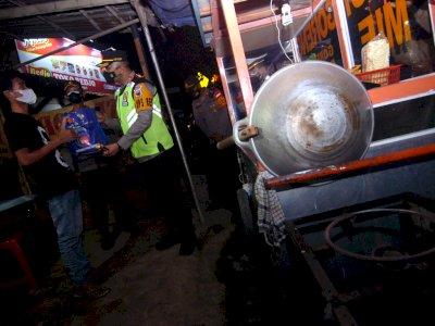 FOTO: Patroli Skala Besar PPKM di Tegal