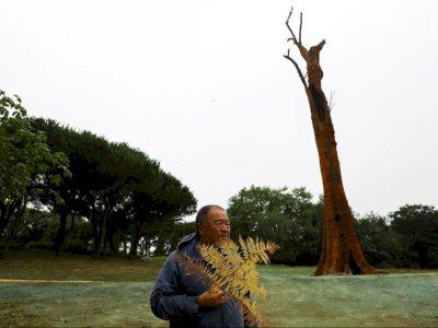 Seniman China Ini Membuat Pohon Tropis Setinggi 32 Meter, Ini Alasannya!