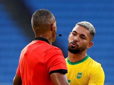 Olimpiade Tokyo: Keputusan Wasit Beri Kartu Merah ke Gelandang Brazil Ini Tuai Kecaman