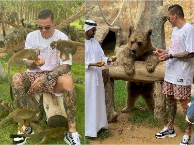Liburan di Dubai, Ederson Jalan-jalan ke Kebun Binatang, Main Sama Monyet dan Beruang