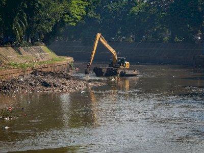 FOTO: Normalisasi Sungai Ciliwung