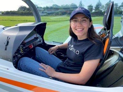 Gadis Ini Ingin Terbangkan Pesawat Microlight Keliling Dunia, Pecahkan Rekor Penerbangan