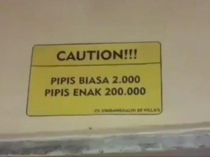 Astaga! Papan Tarif di Kamar Mandi Umum Ini Mencurigakan: Pipis Enak Rp200.000
